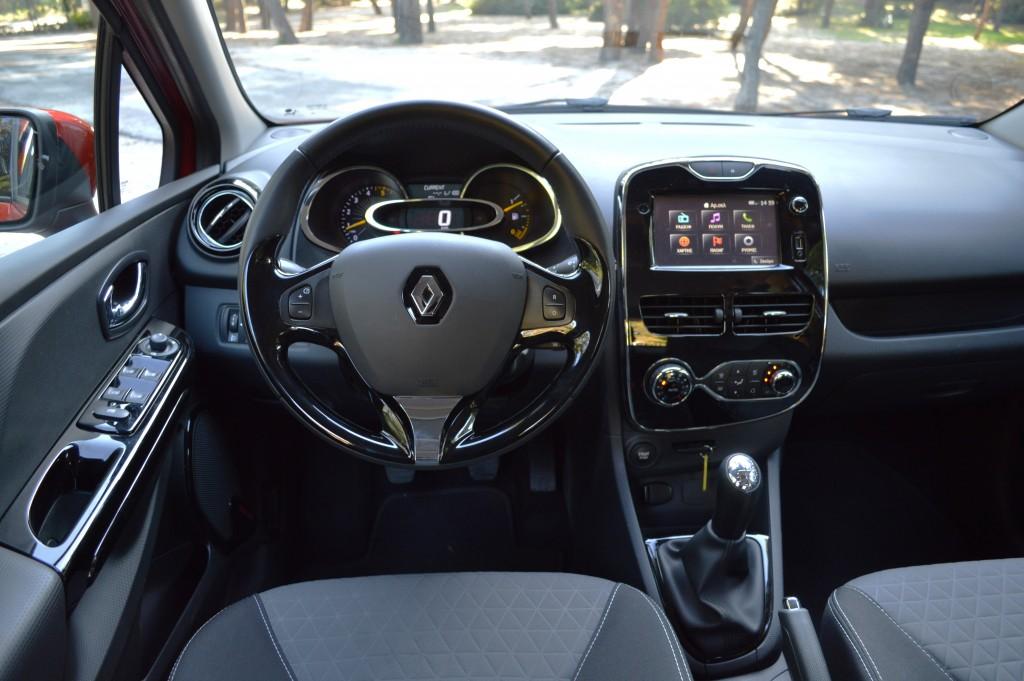 Renault Clio Sport Tourer 1.5 dCi (12)