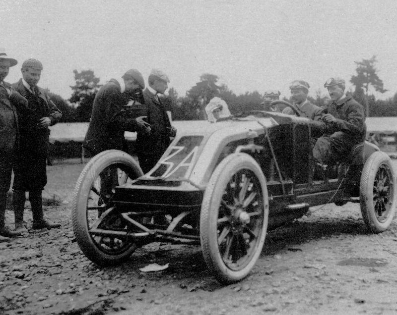 06-Sczisz-Renault