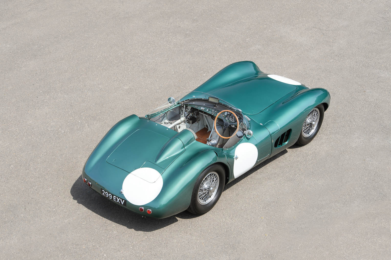 1956-Aston-Martin-DBR1-MO17_r159_002