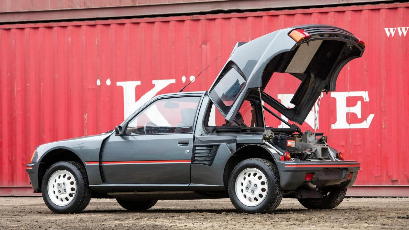 1985-peugeot-205-turbo-16 (2)
