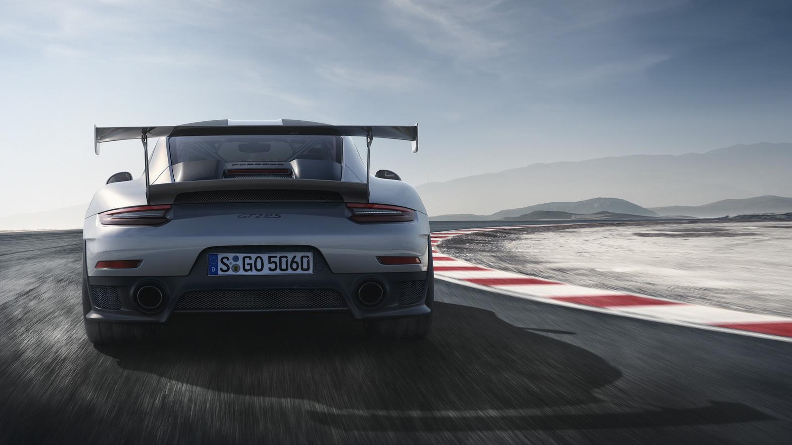 2018-Porsche911GT2RS-05