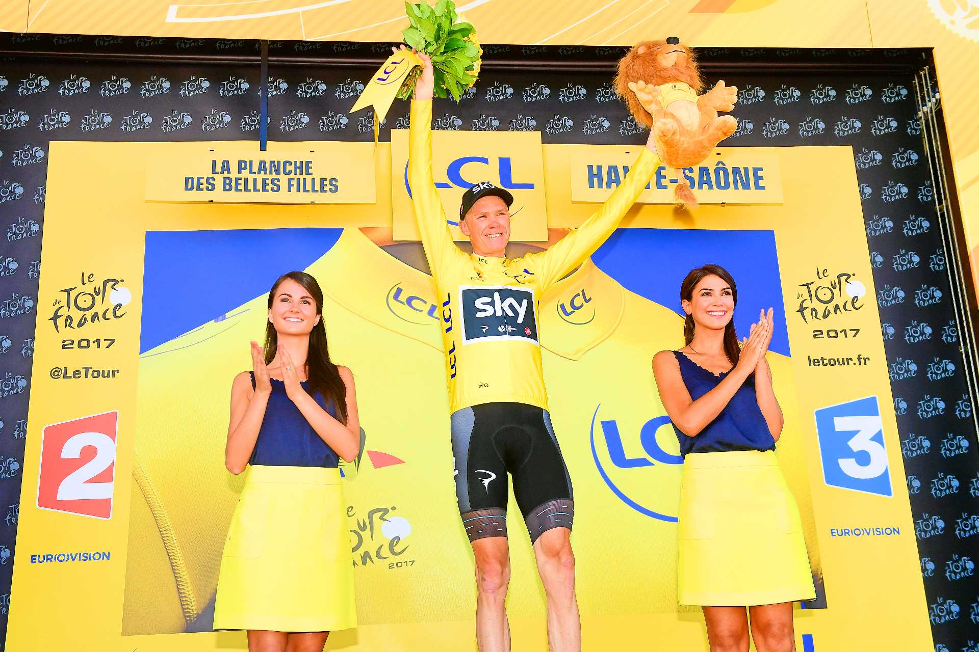 Chris-Froome-Tour-de-France-2017-Team-Sky-yellow-jersey-pic-Alex-Broadway-ASO