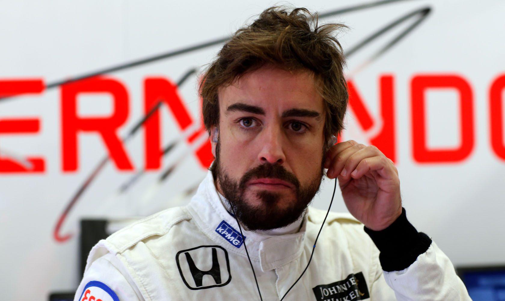 Fernando-Alonso-McLaren-Barcelona-2015-F1-testing-20
