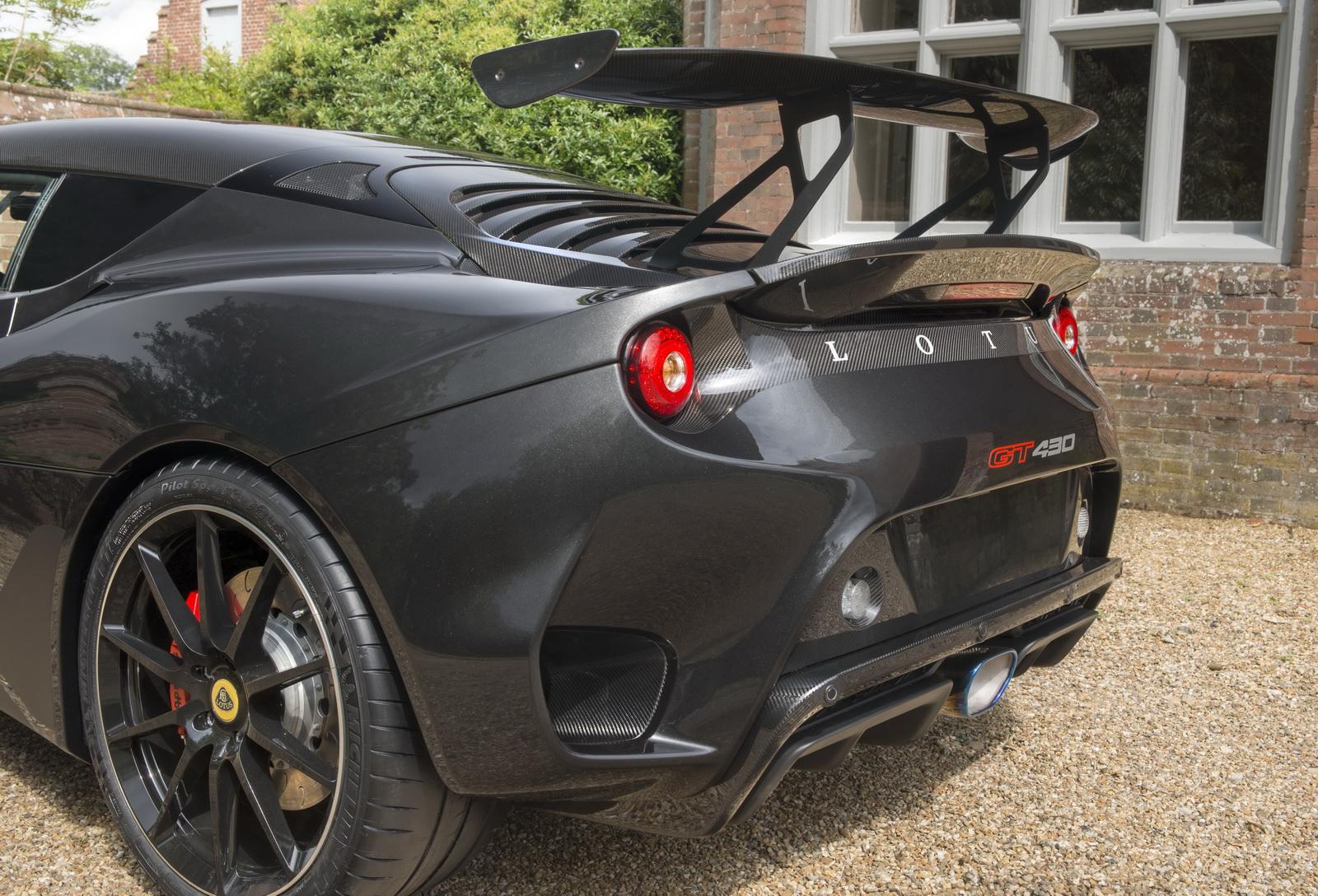 Lotus-Evora-GT430-09