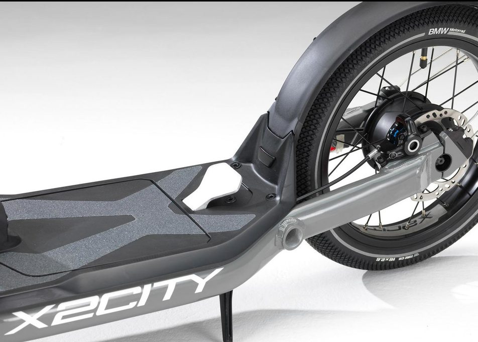 bmw-x2city-kick-scooter-with-electric-drive (3)