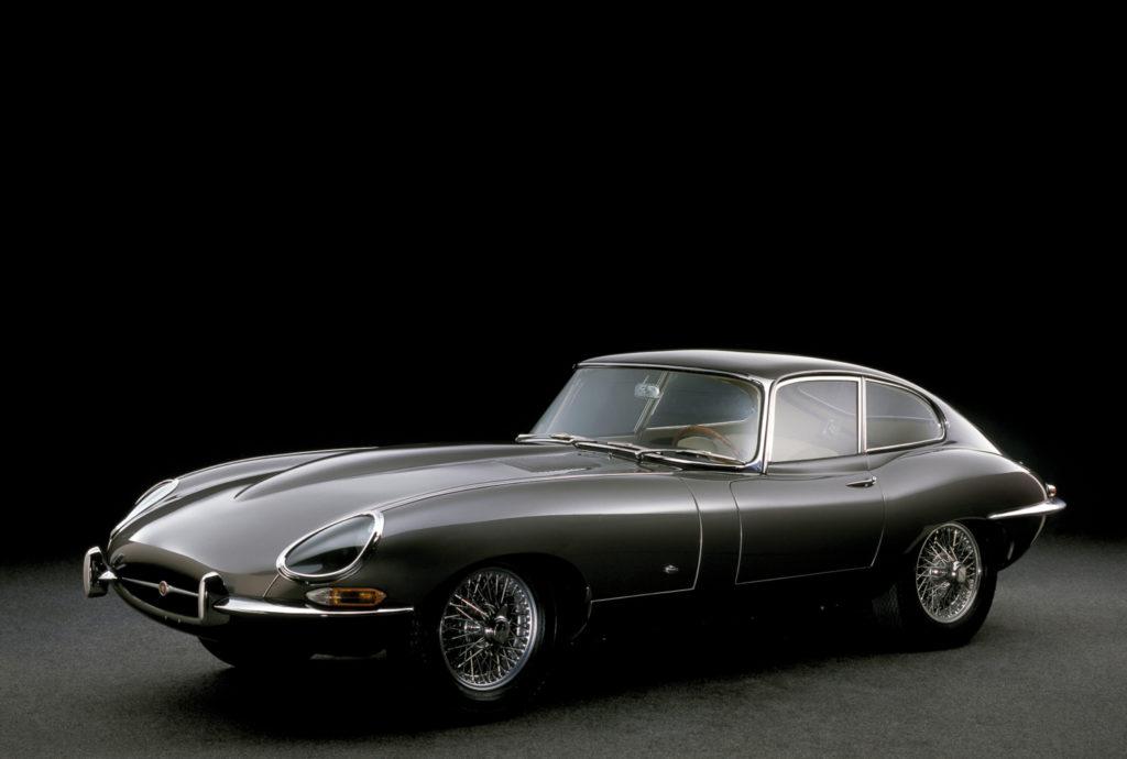 H απίστευτη συλλογή supercars του Hammond Jaguar E-Type
